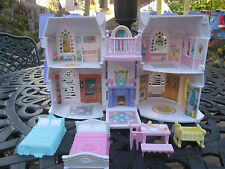 2003 MATTEL FISHER PRICE SWEET STREETS DOLL HOUSE VICTORIAN HOME