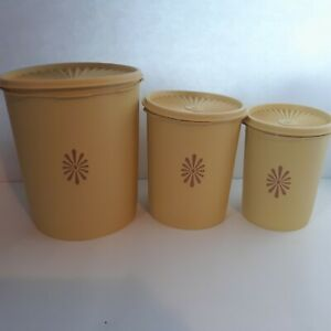 Vintage-Tupperware-Servalier-Canisters-Set-of-3-w-Lids-Yellow-805-811-809-USA
