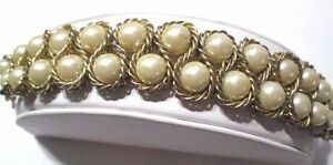 FAUX-PEARL-JAZZY-DOUBLE-ROPED-METAL-BORDER-BRACELET-GOLD-TONE-1980S-FASHION