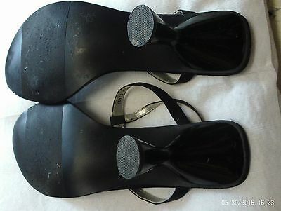 2 Pares De Zapatos/Sandalias. Oro Vintage por Saxone, Diamante Negro, tamaño 6