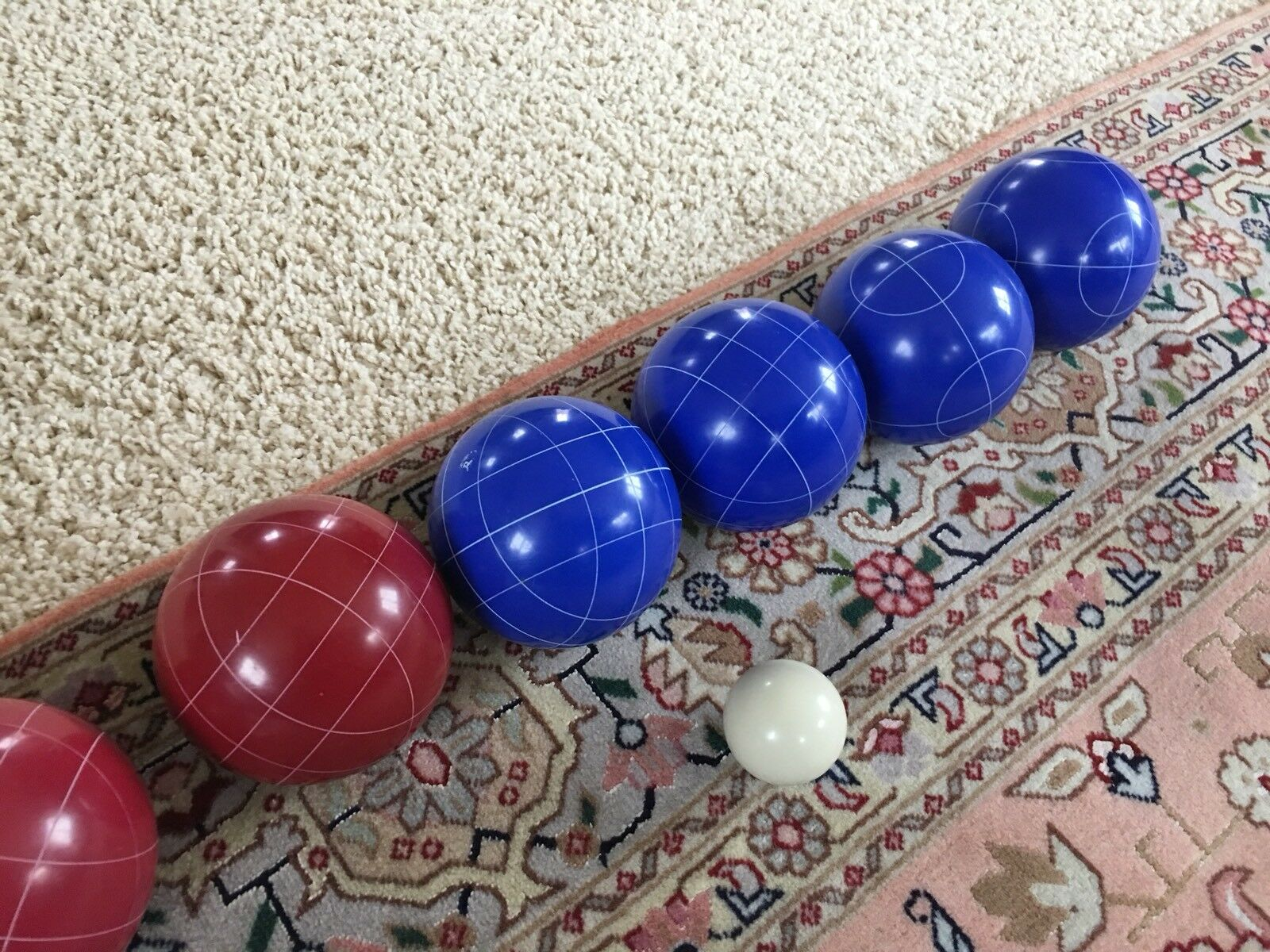 BOCCE BALL SET, New with carrying case &  instructions  high quality & fast shipping
