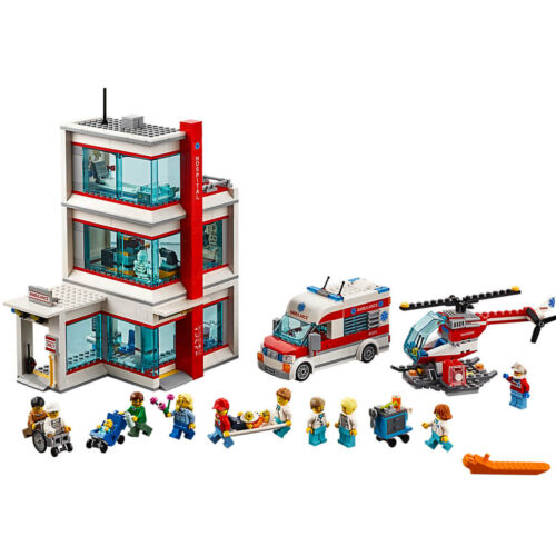 LEGO City Hospital 861 Piece Building Set w// Ambulance Helicopter /& Minifigures
