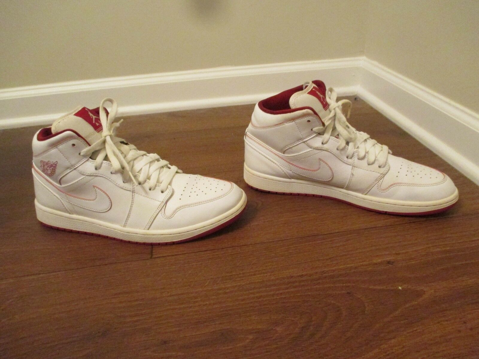 quality design 37ceb 2c117 Used Worn Size 11 Nike Air Air Air Jordan 1 Mid Shoes White   Gym Red 66cfe6