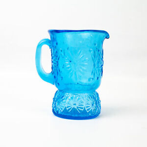 Vintage-4inch-Miniature-Blue-Daisy-Flower-Glass-Pitcher