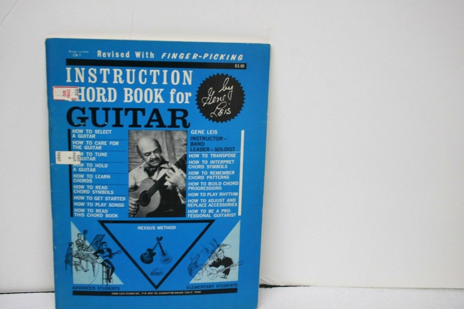 Gene Leis Instruction Chord Book for Guitar in excellent condition 1974 CB-3