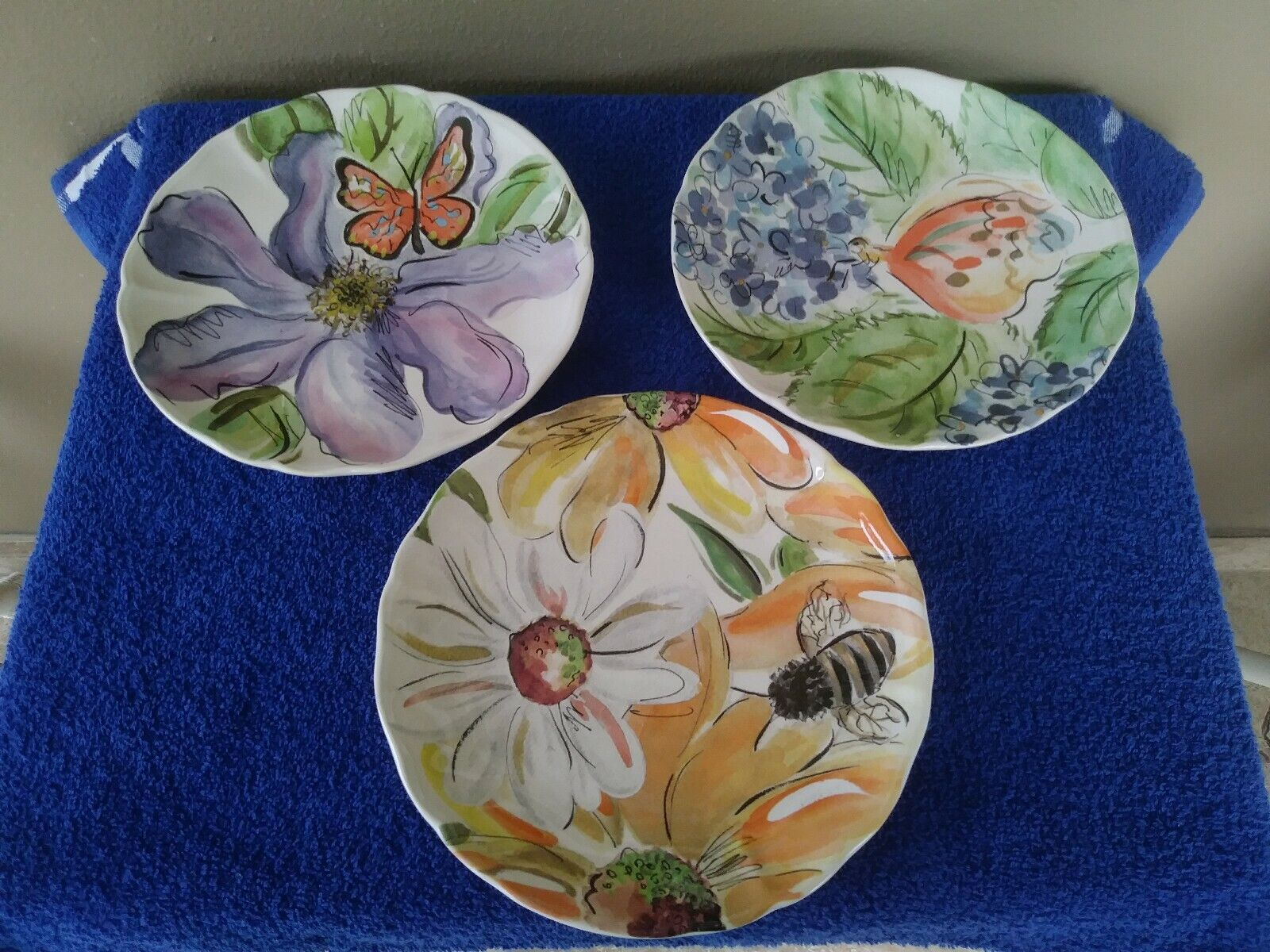 "Casa Stone By Casafina 3 casa stone by casafina portuguese stoneware "" bloomers"" by sara henry  plates"