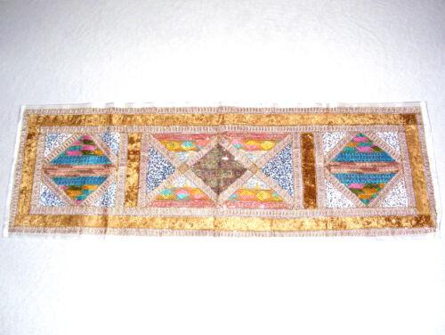 BREITER HANDGEARBEITETER TISCHLÄUFER 150 x 50 CM MIT SAMT UND PAILETTEN INDIEN