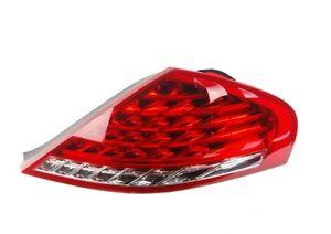 BMW-E63-LCI-6-serie-Nuevo-Genuino-O-S-Trasera-Derecha-LED-luz-de-la-cola-7177070