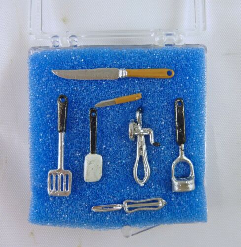 5014 Dollhouse Miniature 7 Piece Metal Kitchen Tools Set