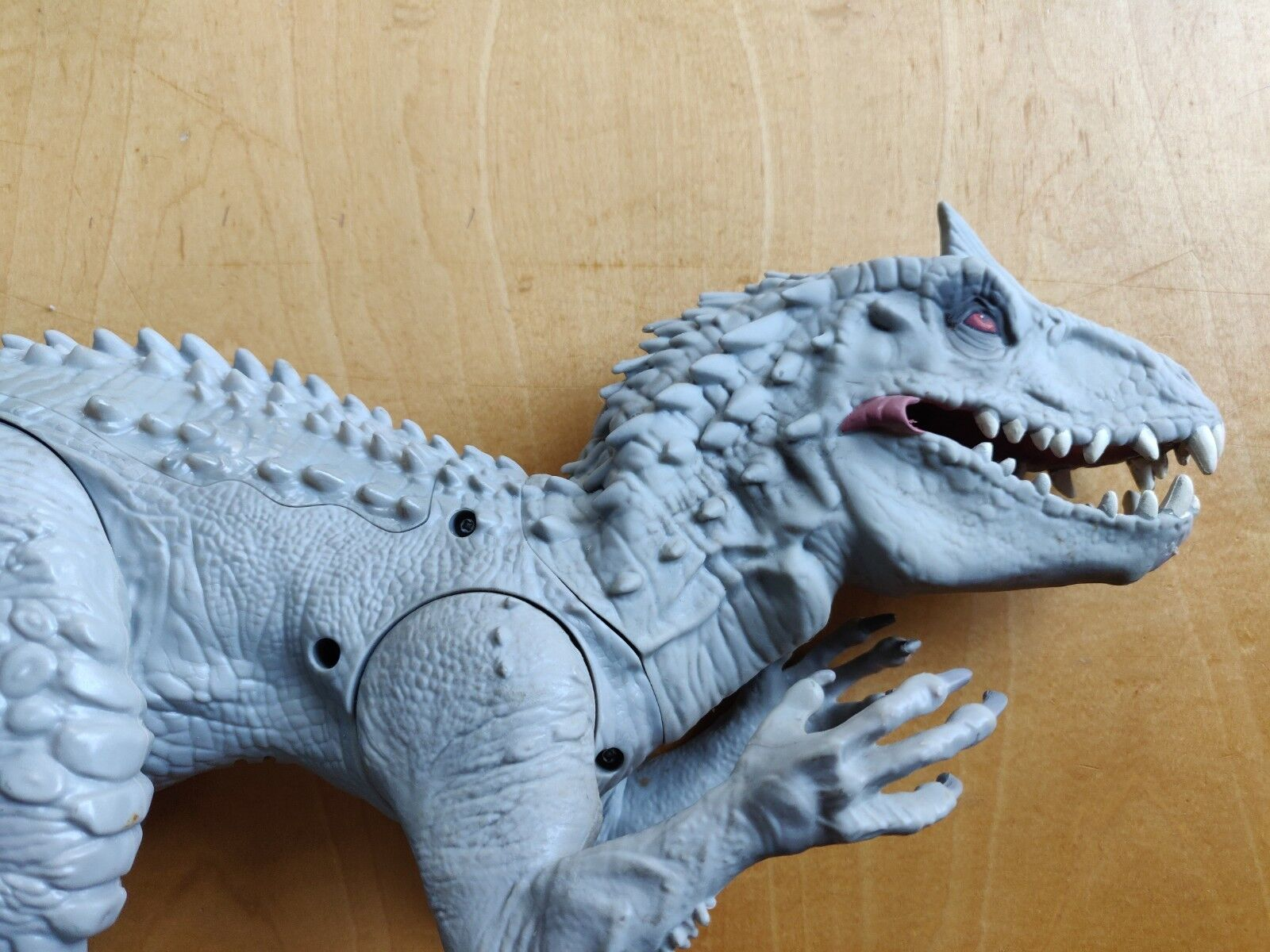 Hasbro Jurrasic World Chomping Indominous Rex Colour Changing Skin And Sound...