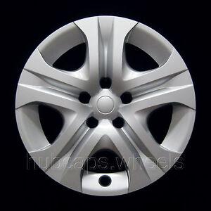 Toyota Rav4 2013-2015 Hubcap - Premium Replacement 17-inch Wheel Cover - Silver