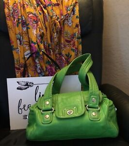 ce43d8551b14 MARC By MARC JACOBS TOTALLY TURNLOCK MINI QUINN BAG Green Leather ...