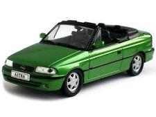 Opel Astra F Cabrio Baujahr 1992 grün in 1:43 von IXO