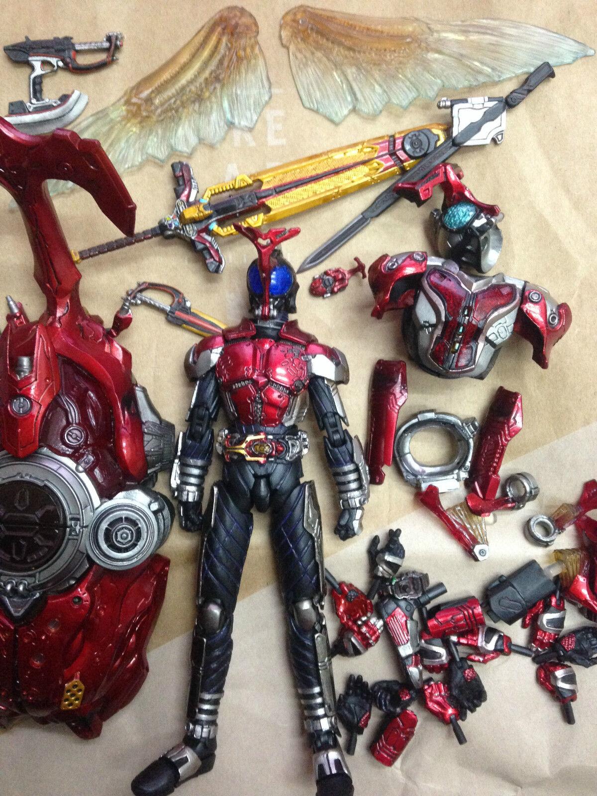 BANDAI S.I.C. Kamen Kamen Kamen Rider Kabuto (Masked Rider Kabuto) Action Figure SIC 399b34