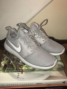official photos 50438 0f26f Image is loading NIKE-Roshe-Two-Wolf-Grey-And-White-Sneakers-