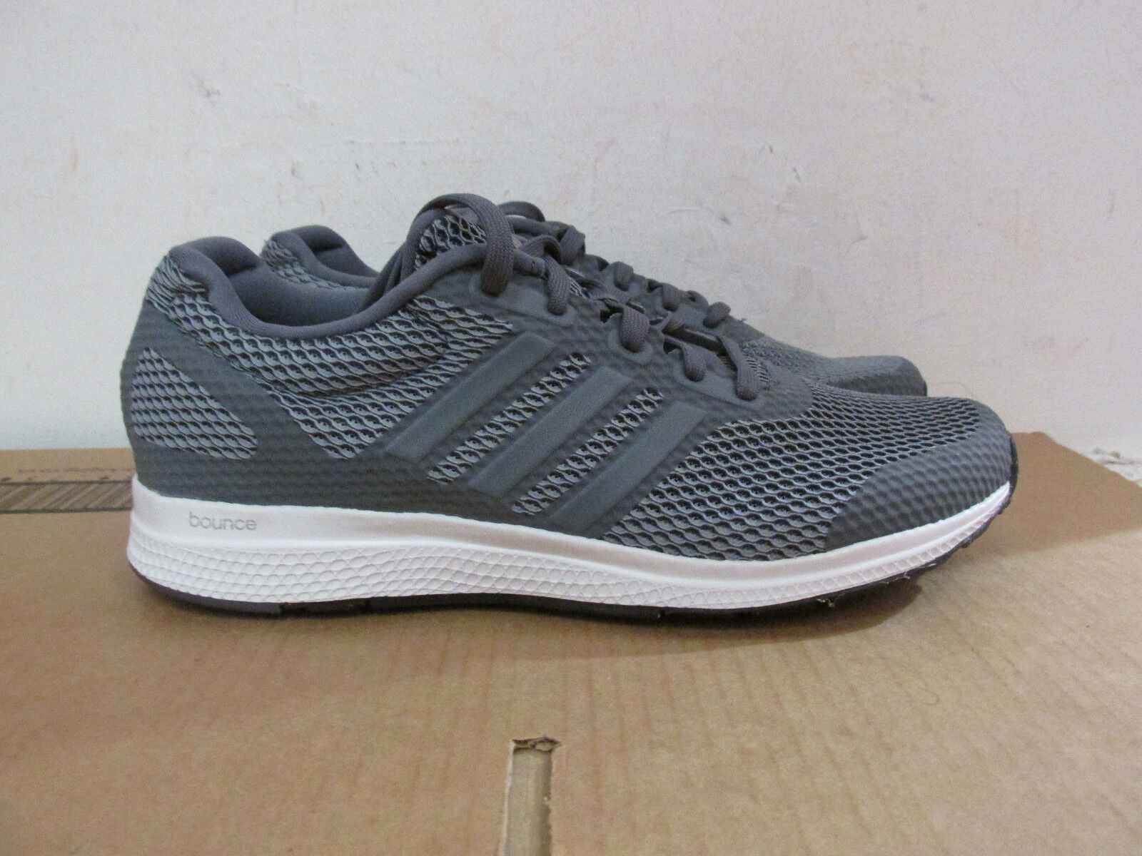 Adidas Mana Bounce B42432 homme trainers sneakers SAMPLE