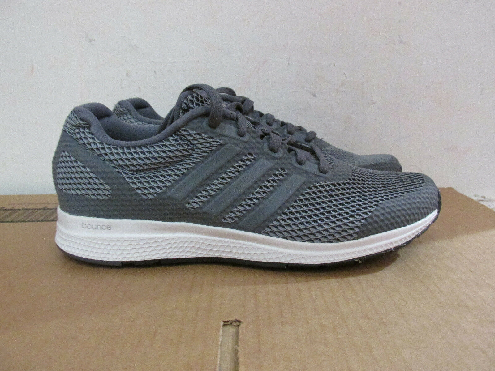 Adidas Mana Bounce b42432 Mens Trainers Baskets Sample