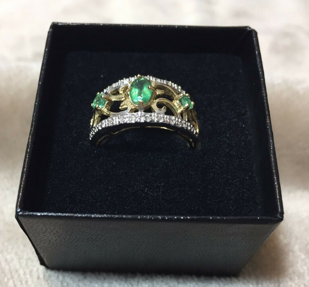 14K Yellow gold 0.086ctw Diamond and 0.929ctw Emerald Ring Women Size 7