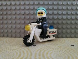 city town figure man cop officer vintage Lego Motorcycle Police Minifig Lot
