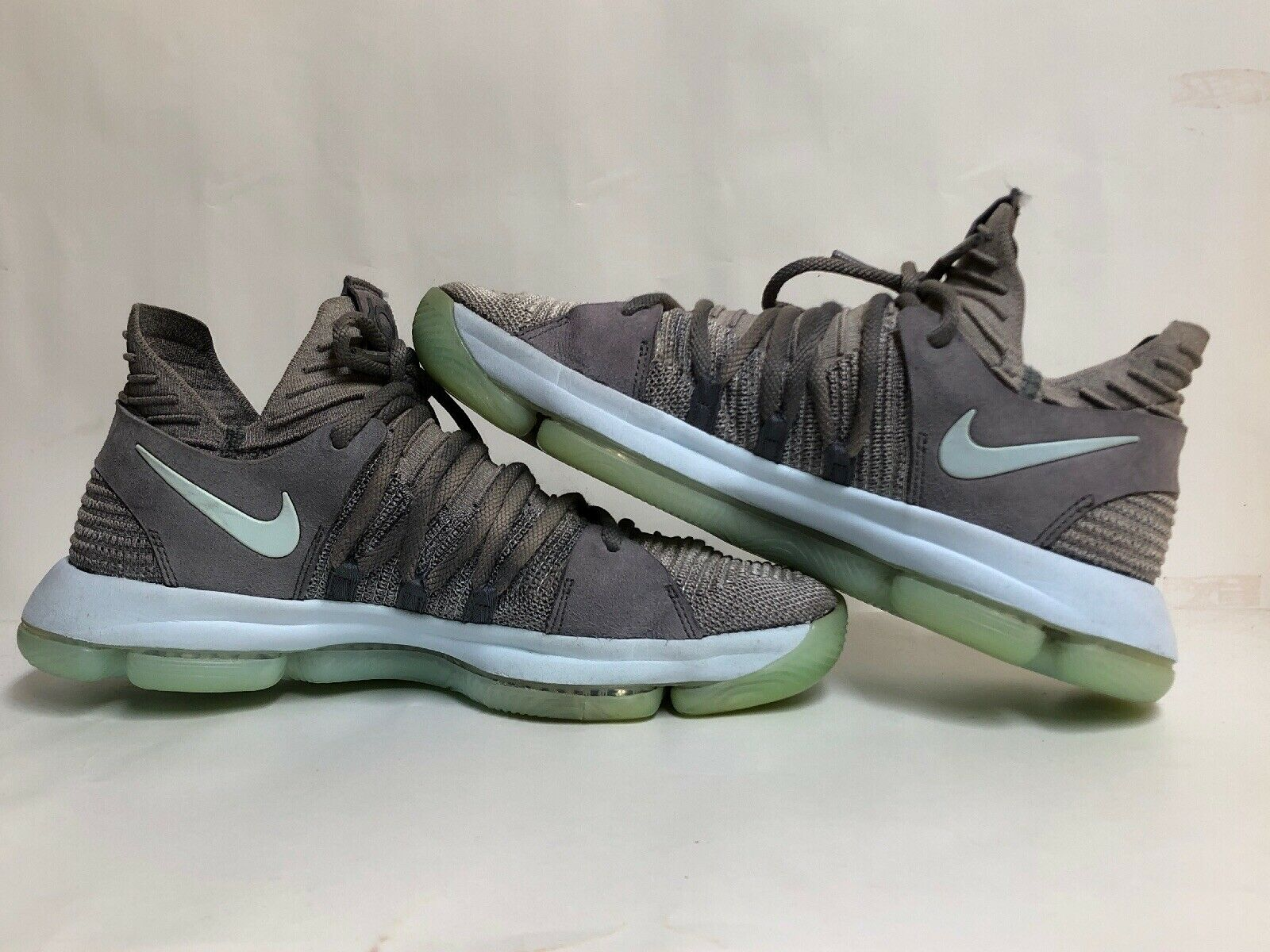 """Nike Zoom KD10 """"Igloo"""" SIZE 10.5 Nike 897815-002 Pre-Owned But Still Good"""