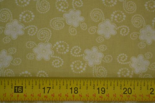 White Bon Light-Olive Quilting Cotton JoAnn M7866 By 1//2 Yd