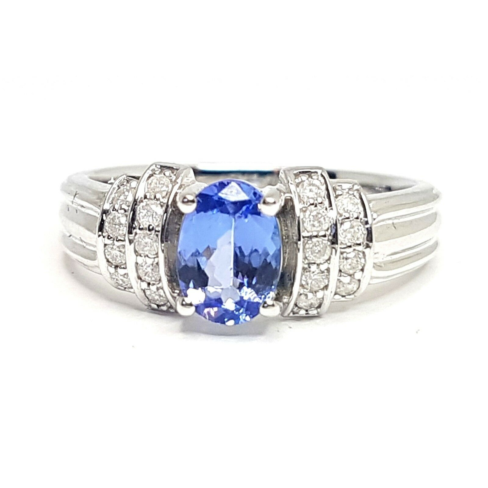 1.00 Ct Tanzanite And Diamond Ring in White gold
