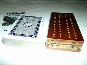 WOODEN-FOLDING-HINGED-CRIBBAGE-GAME-BOARD-CRIB-PACK-CARDS-SCORING-PEGS-RULES-NEW