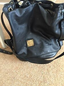 MCM-Heritage-Drawstring-Bucket-Bag-Large-Black