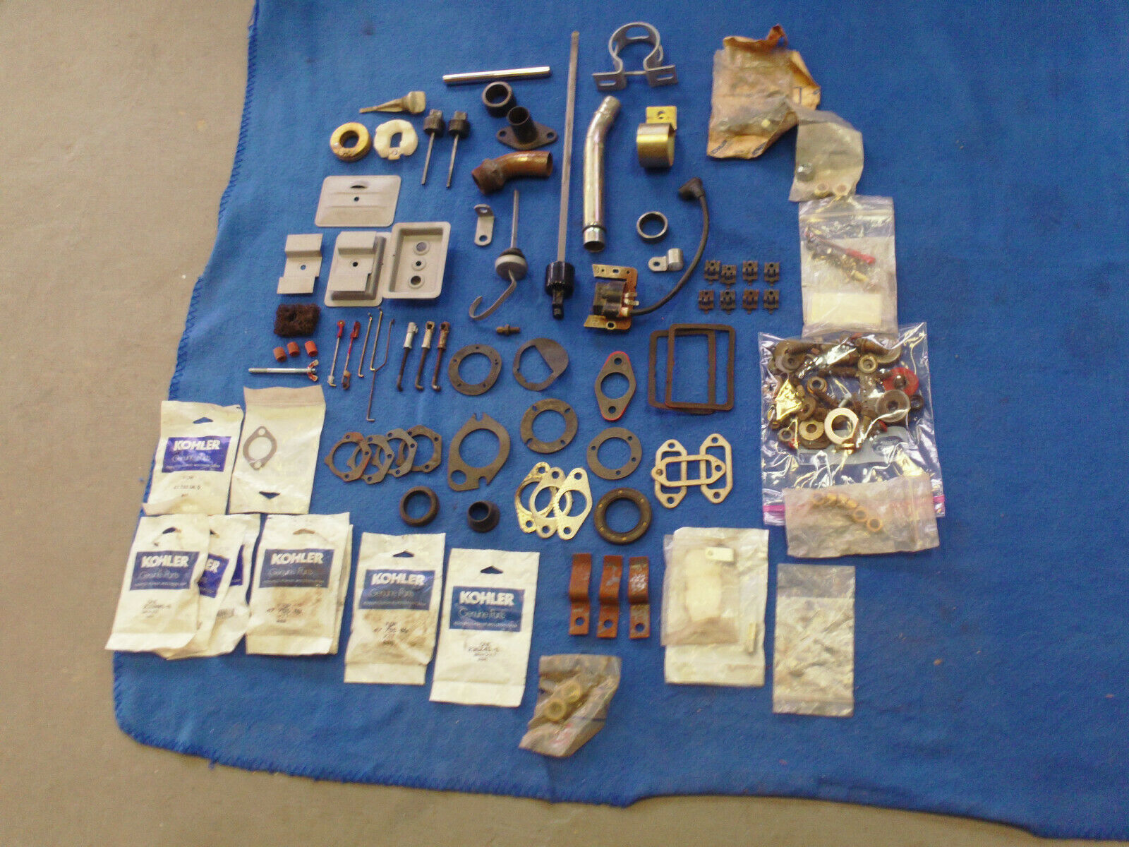 Lote de piezas de motor Kohler-algunos nuevos-algunos Usado-todas las buenas