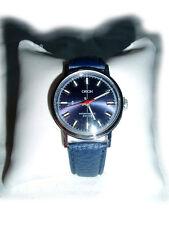 Blaue Armbanduhr von Orion
