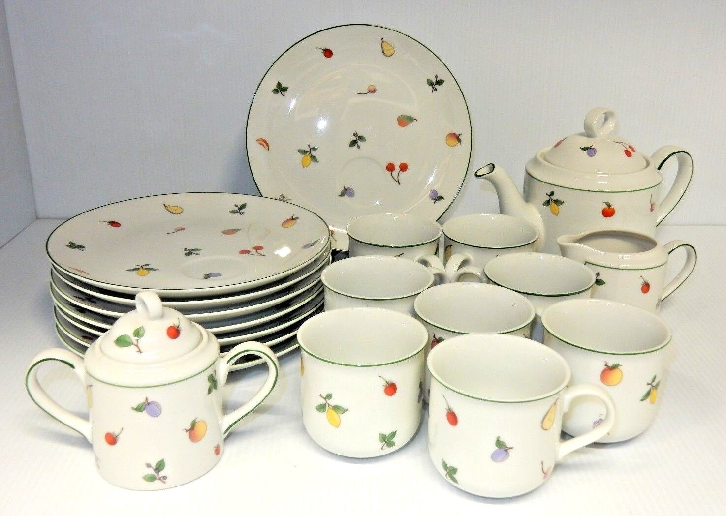 VINTAGE 19 PIECE SHAFFORD COFFEE AND TEA SET INCLUDES CUPS, SAUCERS AND MORE