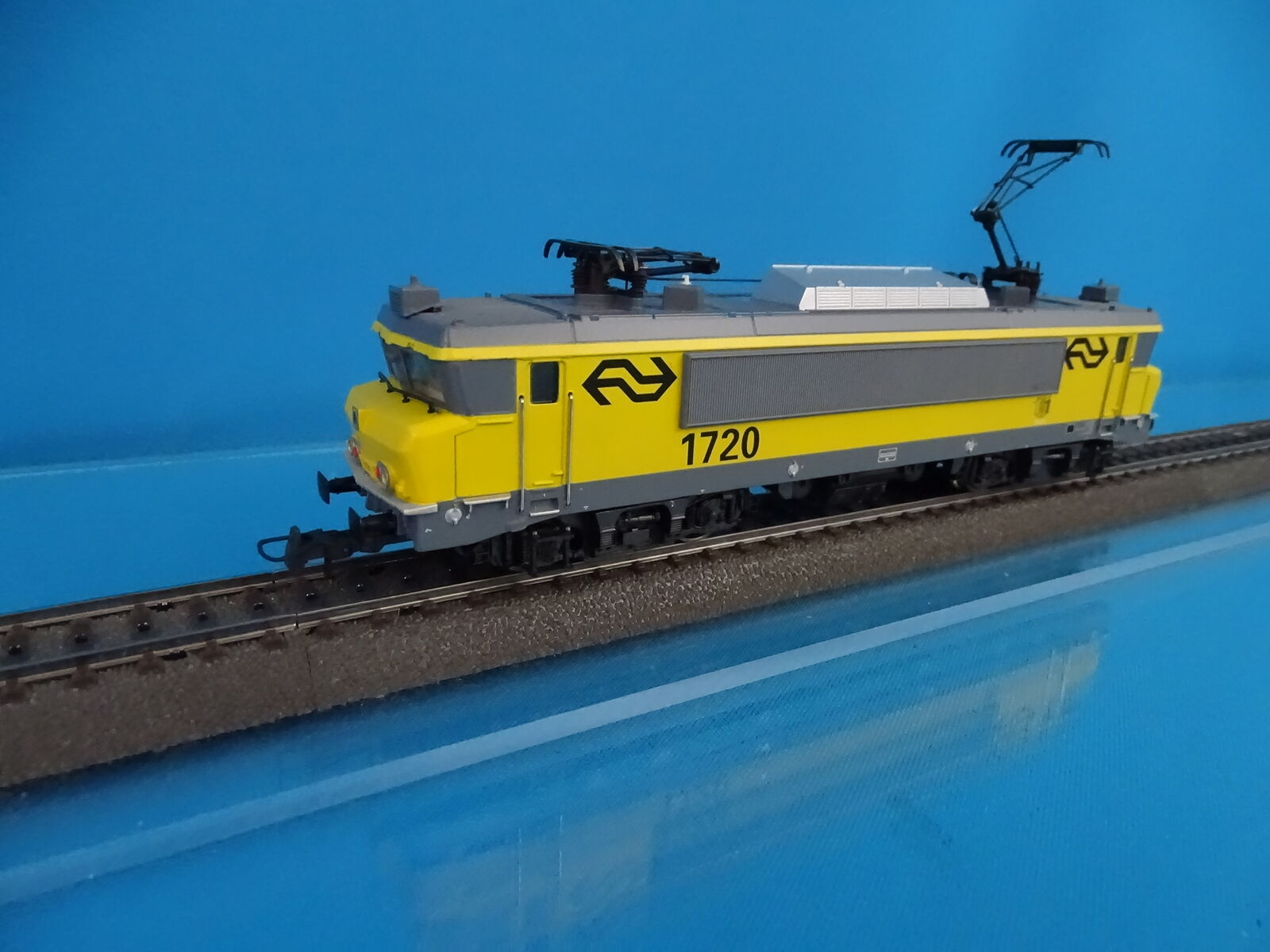 Marklin 37261 NS Electric Locomtive Br 1700 amarillo-gris 1739  Beilen  DIGITAL