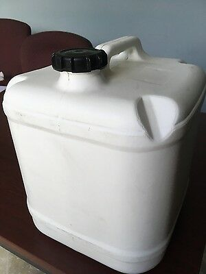 20 L water container