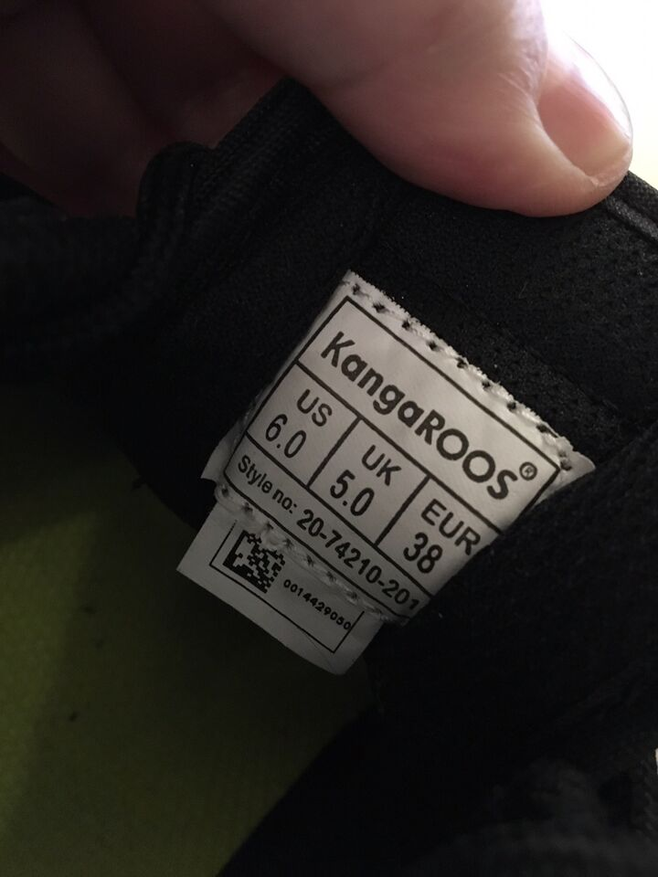 Sneakers, str. 38, Kangaroos Rage Animal