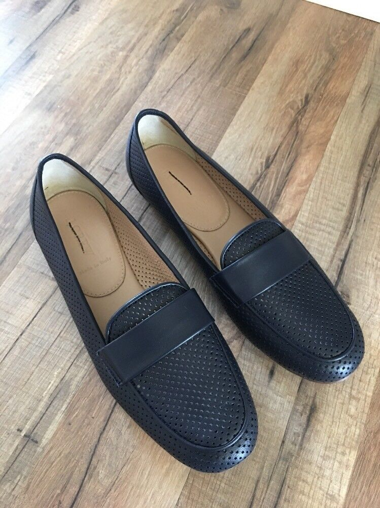 New J Crew Perforated Loafers in Navy Sz 8 C4623
