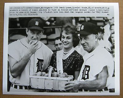 1959 Detroit Tigers Al   Kaline  & Peach Queen Photo !