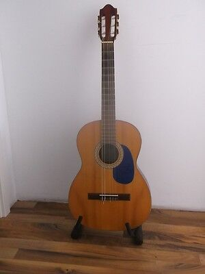 Gitarre Signiert Von George Clooney Wohltuend FüR Das Sperma