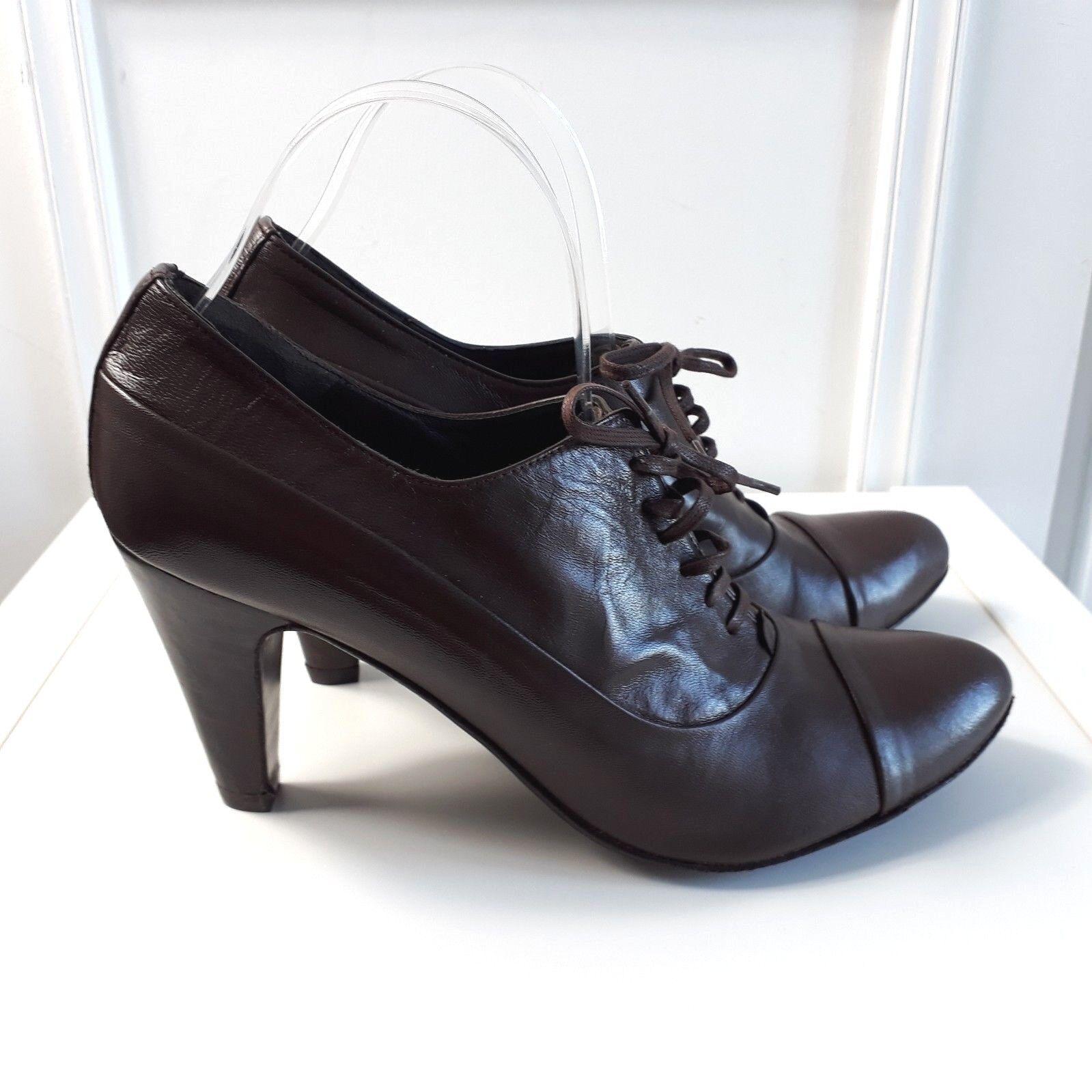 Jones Marrón Cuero Retro Tribunal Tribunal Tribunal Tacones zapatos botas Victoriano abuela Talla 6.5 40  salida