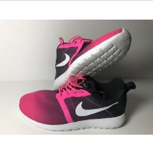 EUC YOUTH NIKE ROSHE ONE FLIGHT WEIGHT GS 705486 600 Black Pink SIZE US 4.5 Y