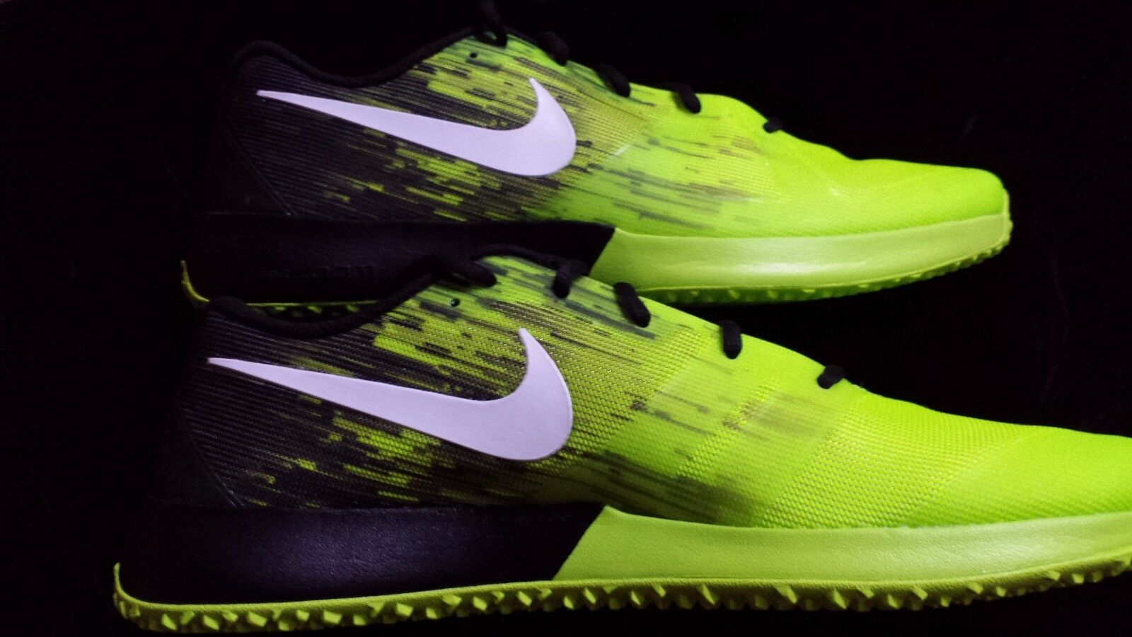 Nike ZOOM SPEED TR   Running shoes Men's Size  10.5  BLACK  VOLT