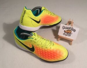 c0ebf9a503b4 NIKE MAGISTA OPUS II TF ASTRO TURF FOOTBALL BOOTS UK  5.5  RARE ...