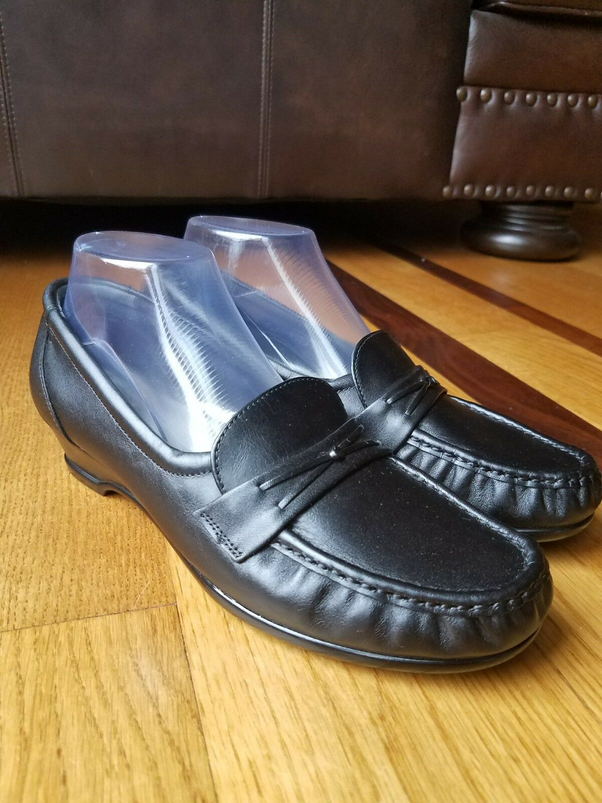 SAS Easier Women's Black Leather Tripad Comfort Slip-On Low Heel shoes Sz 9.5 M