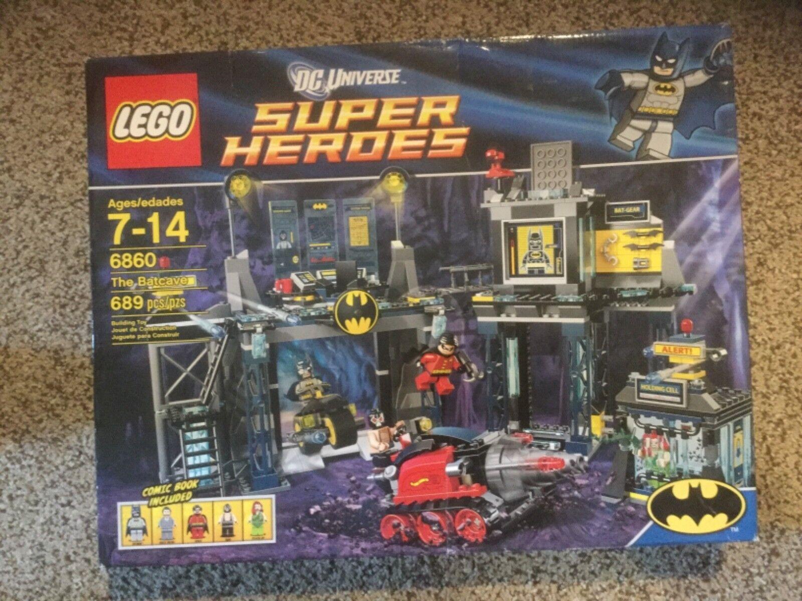 Lego Super Heroes The Batcave (6860). nuevo en caja pero Caja muestra desgaste.