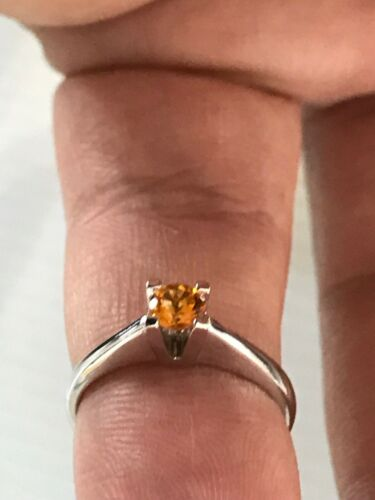 WHITE GOLD SOLITAIRE RING 18 CT With Amber 0,25 CT