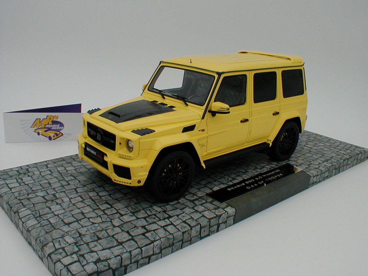 marca en liquidación de venta Minichamps 107032402-Brabus 850 6.0 wideEstrella año 2016 en    amarillo  1 18 novedad  hermoso