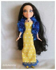 Bratz-Doll-Clothes-Handmade-Hearts-BOA-GOWN-JEWELRY-Fashion-NO-DOLL-d4e
