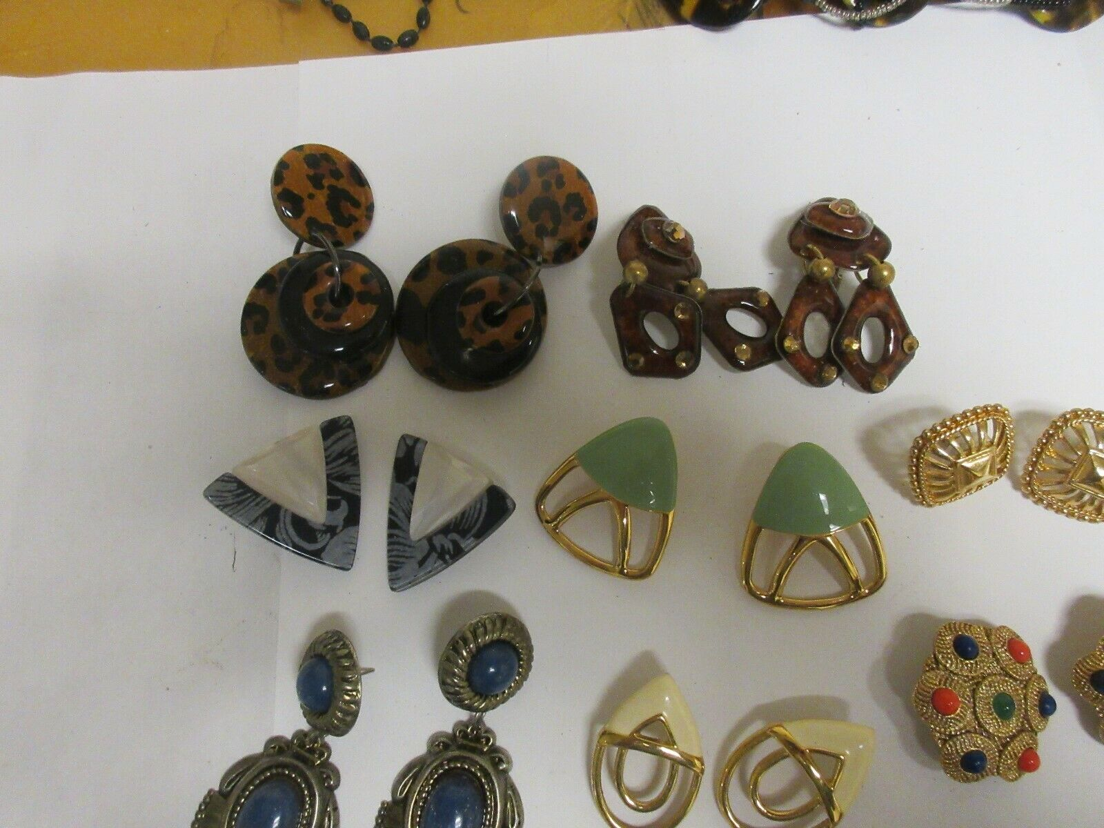Costume Jewelry , Vintage , Earrings , Mixed Lot of 12