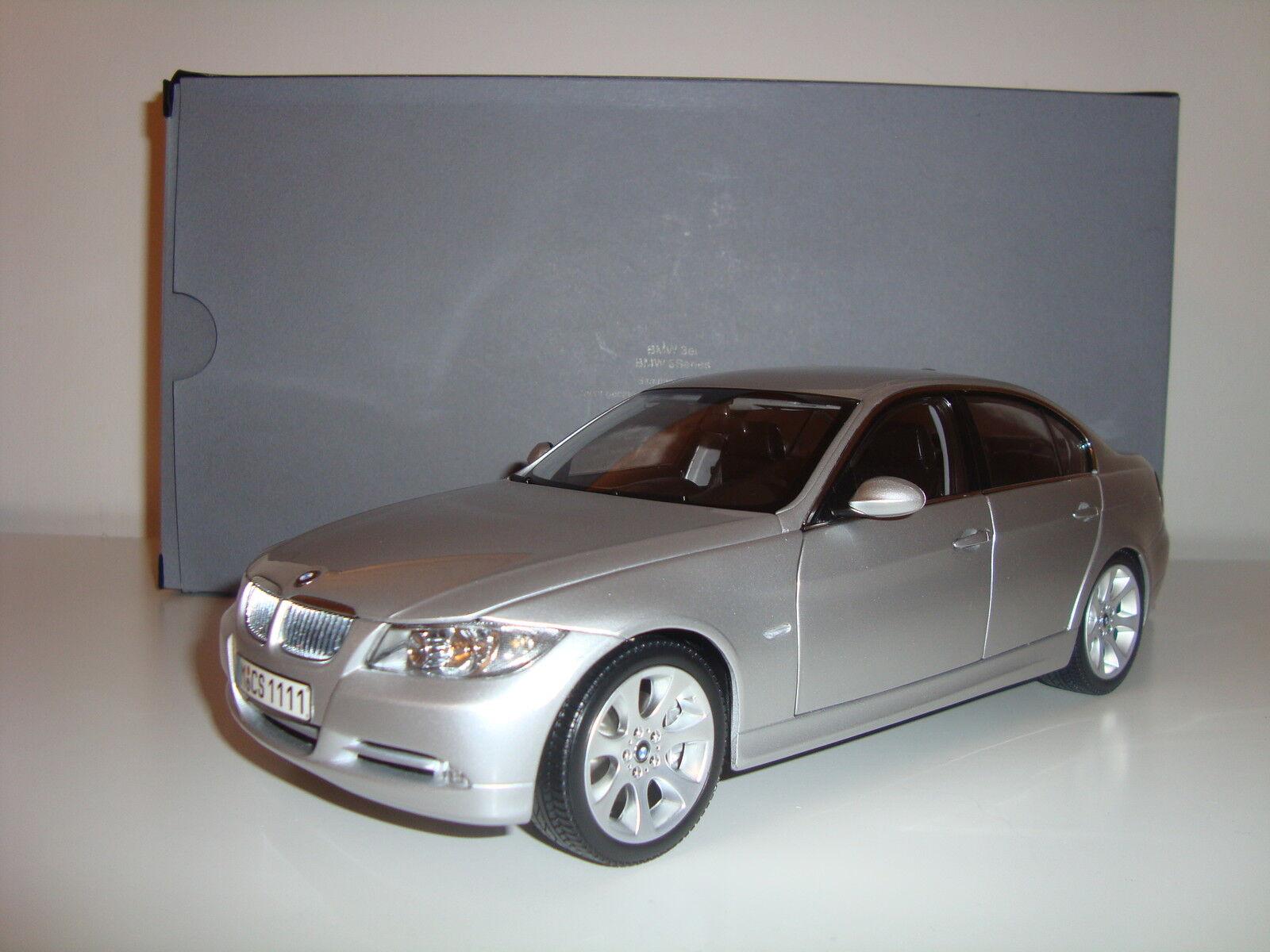 BMW 3er BERLINA e90 ARGENTO METALLIZZATO METALLIZZATO METALLIZZATO spacciatori molto raro 1:18 39f805