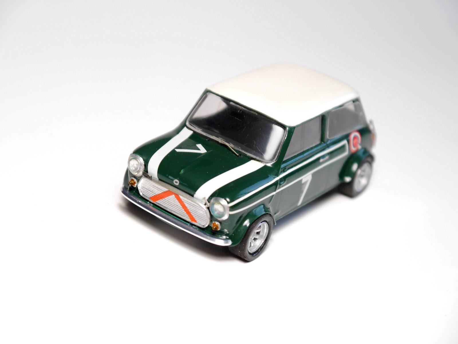 BMC Mini Cooper mit Ausstellfenstern, Handarbeit handmade   Heller () in 1 43