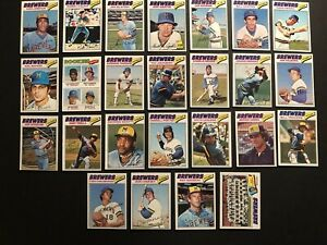 1977-Topps-MILWAUKE-BREWERS-Complete-Set-of-25-Cards-ROBIN-YOUNT-Sal-BANDO-Money